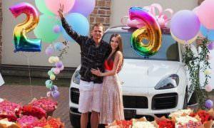 Тарасов подарил Костенко на день рождения Porsche Cayenne