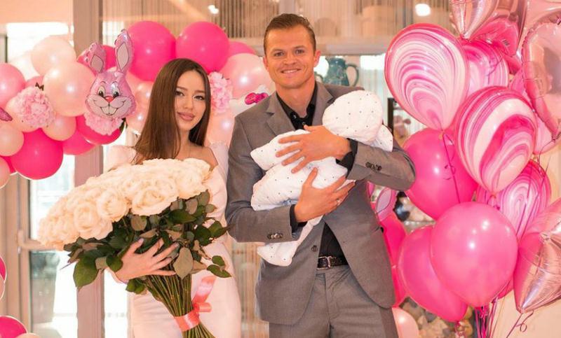 Тарасов и Костенко рассекретили имя второй дочери