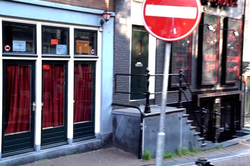 Проститутки в Европе остались без работы из-за коронавируса