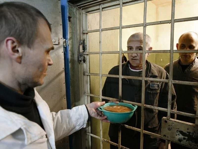 Глава ФСИН попросил не арестовывать людей за нетяжкие преступления на время пандемии