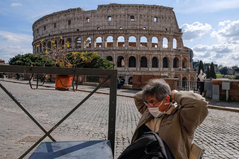 Итальянские власти нашли способ избежать вторую волну коронавируса и ослабили карантин
