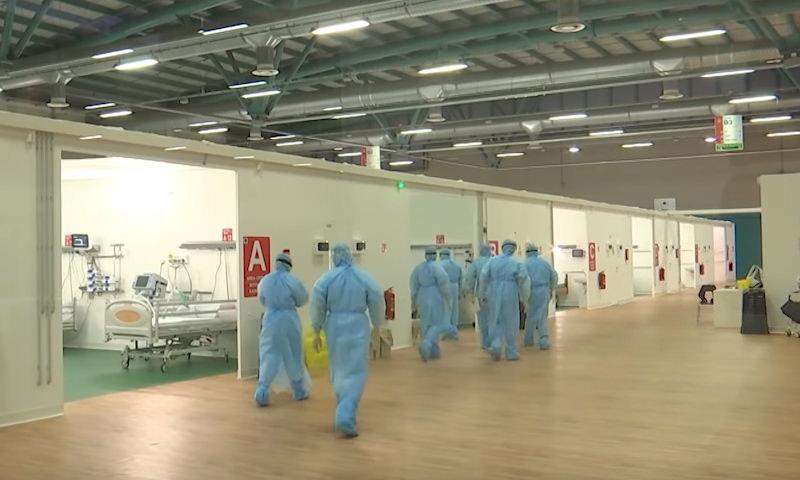 Опубликовано видео работы российских военных медиков в Италии