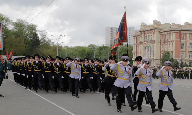 Белорусские власти отказались отменять парад 9 мая вопреки требованиям граждан
