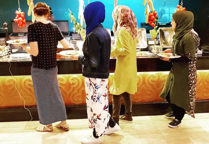 Конец обжиралова - из-за коронавируса отели Турции отказались от шведского стола