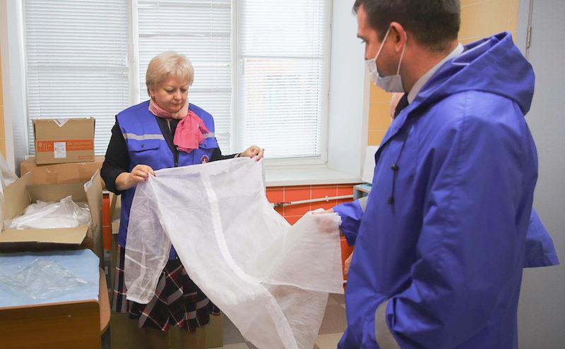 Зараженные коронавирусом медики пожаловались на руководство больницы в ФСБ