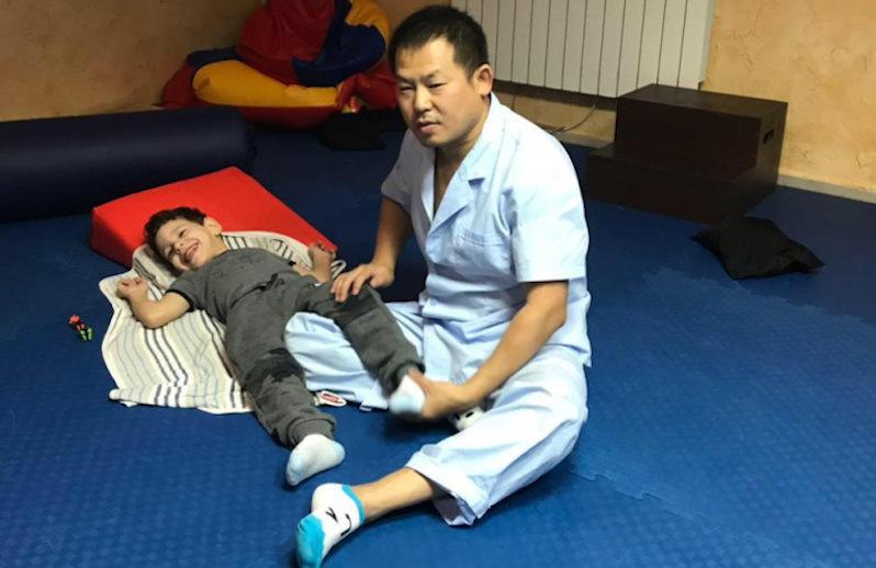 Лечивший российских детей доктор из Китая умер от коронавируса, не дождавшись помощи в Ростове