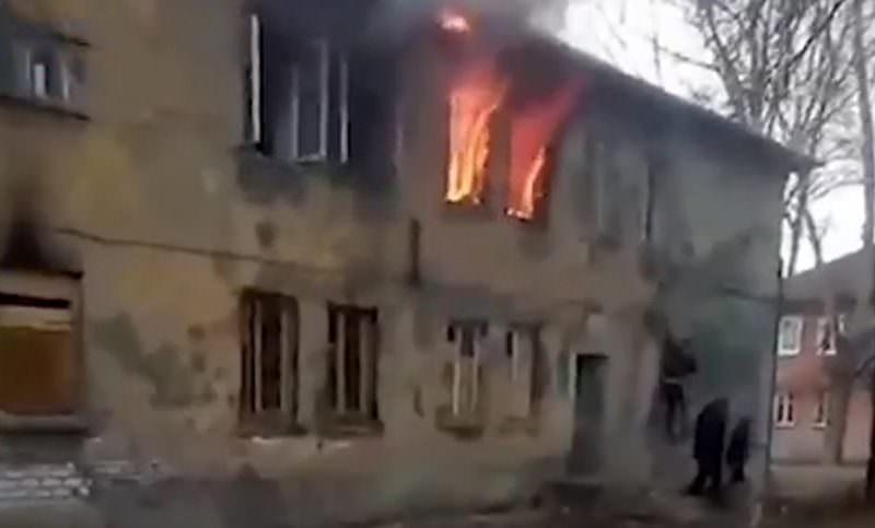 В Нижегородской области мужчина спас детей из горящего дома до приезда пожарных