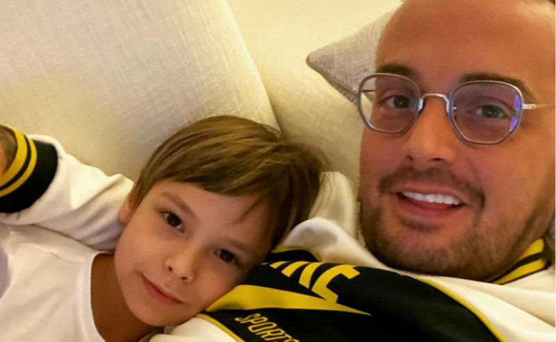 «Пришли деньги, наркоман»: Гуф показал, как с ним общается сын от Айзы