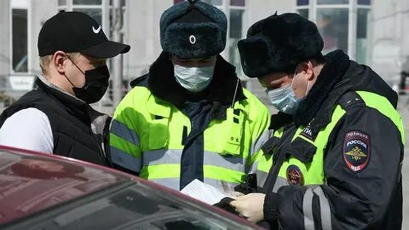Вдвоем нельзя: в Москве ограничили поездки на машине