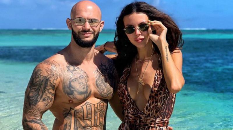 Оксана Самойлова закрывает бизнес после заявления о разводе с Джиганом