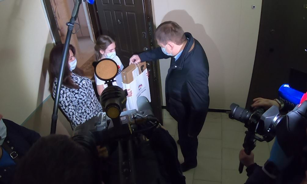 Как воронежский лидер ЕР Владимир Нетесов дискредитировал власть и благотворительную акцию #ПомогиУчитьсяДома