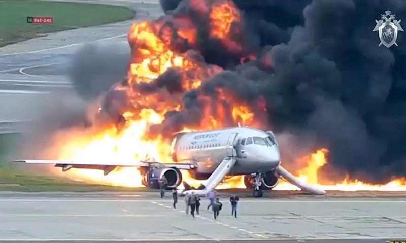 СК опубликовал видео катастрофы SuperJet в Шереметьево в 2019 году