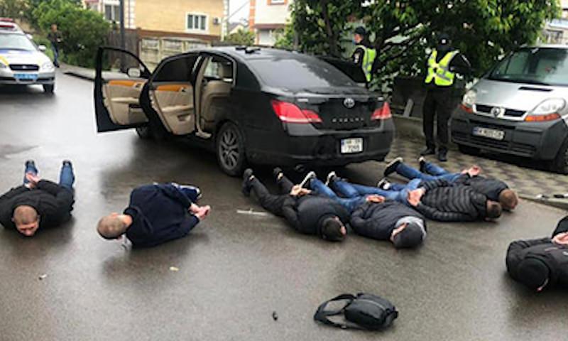 Опубликовано видео перестрелки легальных и нелегальных перевозчиков в районе Киева