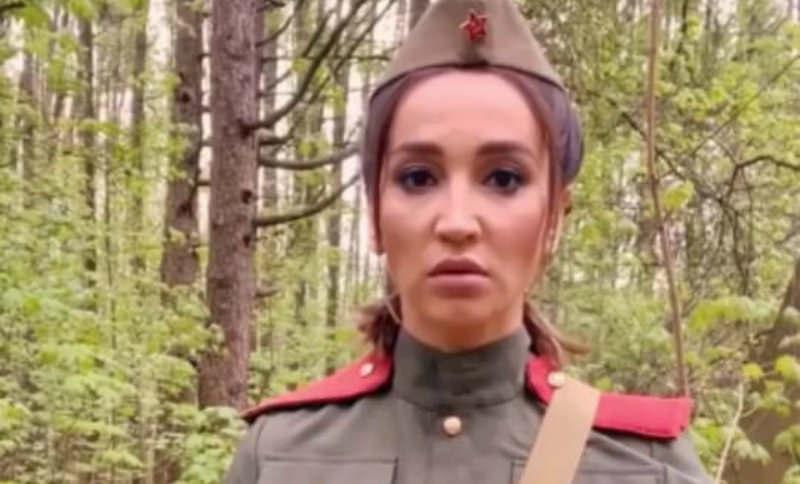 Ольга Бузова: «Мы помним все, что вы для нас сделали, наши великие герои»