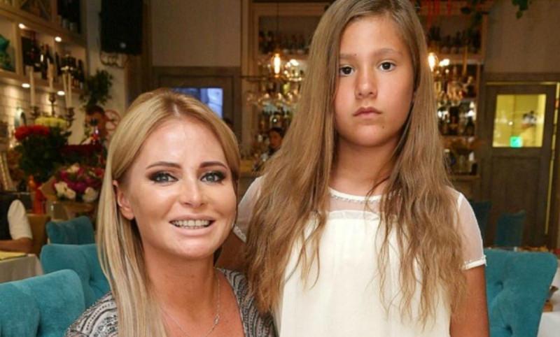 Дочь Даны Борисовой разорвала с ней отношения после скандального интервью
