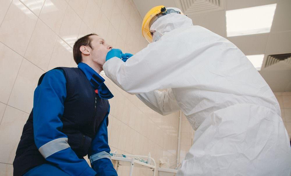 Ученые нашли вещество, способное сократить смертность от коронавируса наполовину