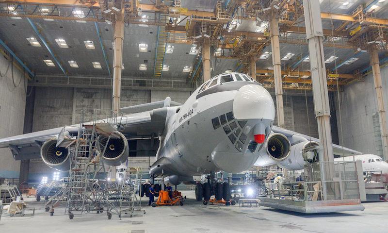 Рабочие стратегического авиазавода в Ульяновске пожаловались на обман с зарплатами