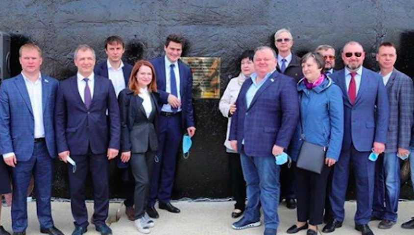 Губернатор Свердловской области пожурил чиновников и депутатов: ни масок, ни социальной дистанции
