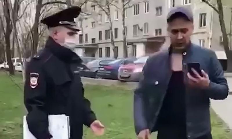 Пьяный нарушитель самоизоляции сбил с полицейского фуражку