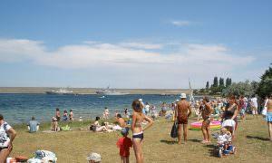 В Роспотребнадзоре рассказали, придется ли носить маски на пляже