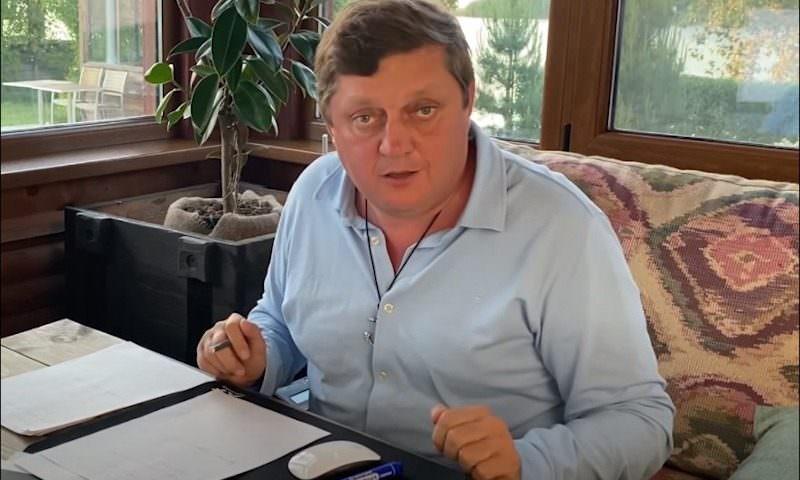 Олег Пахолков: «Похоже, в Волжском украли 17,5 млн «путинских» рублей на маски»