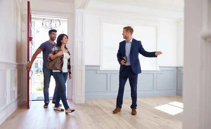 Чиновники нашли легкий способ привлечь инвестиции: вид на жительство за недвижимость в России