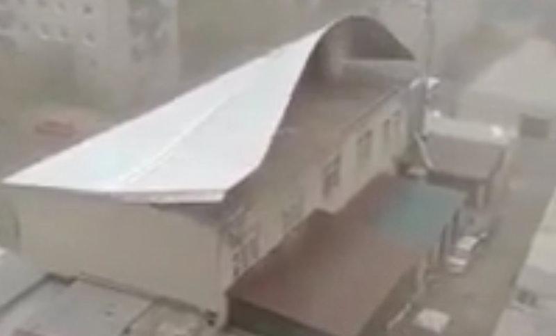Крыши посрывало: на Читу обрушился штормовой ветер