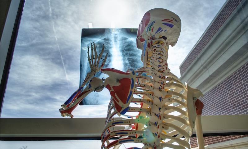 Курение удивительно влияет на коронавирус: медики недоумевают