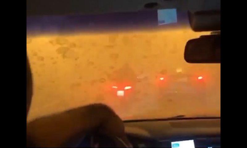 В Москве люди заперты в задымленном тоннеле из-за загоревшегося автомобиля