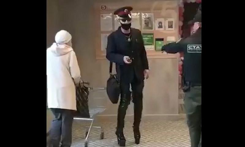 Манерный железнодорожник на шпильках получил нокаут в «Пятерочке» Челябинска
