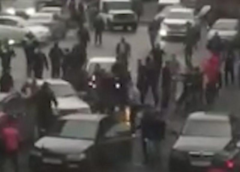 Азербайджанцы и дагестанцы устроили массовую драку в Норильске из-за девушки