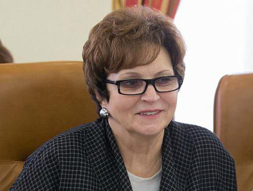 """""""К 30 годам мы считаем их старородками"""": в Союзе женщин России предложили учить первоклассниц созданию семьи"""