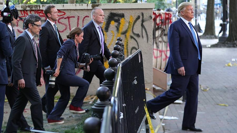 Трамп пригрозил ввести войска в бунтующие города. Обвинили в трусости