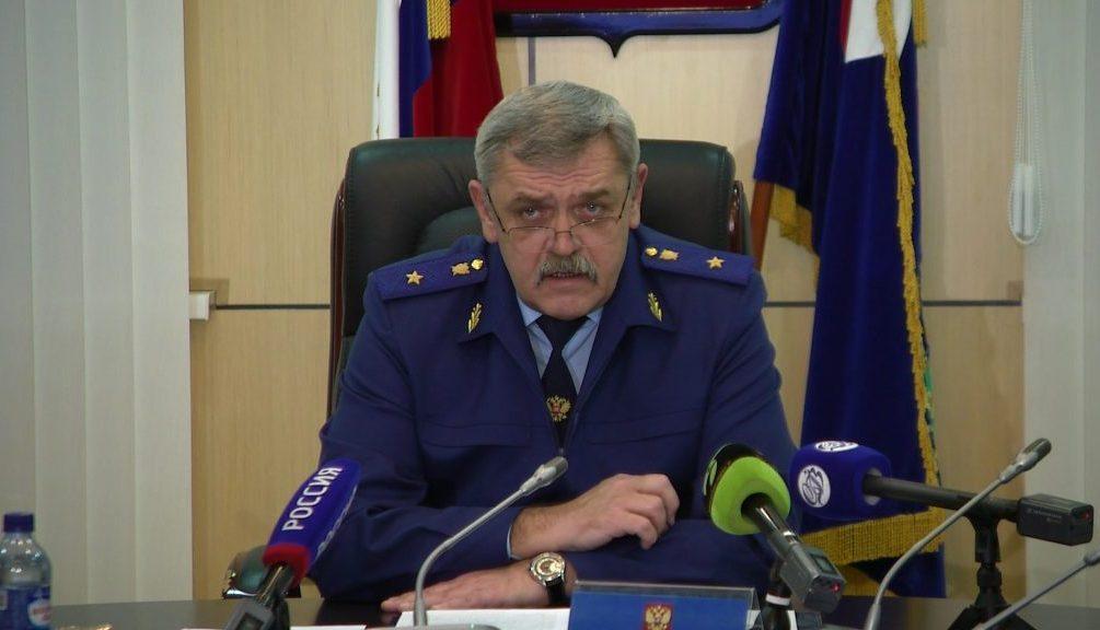 Шантаж и компромат: Экс-прокурор Ямала «держит за яйца» всю верхушку округа?