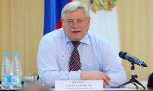 Заражают: губернатор Томской области нашел повод не платить медикам надбавки