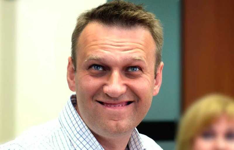 Как подменили: Навальный требует у Путина пенсии для ветеранов по 200 тысяч рублей