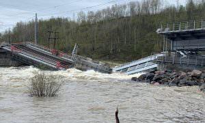 Опубликовано видео обрушения железнодорожного моста в Мурманской области