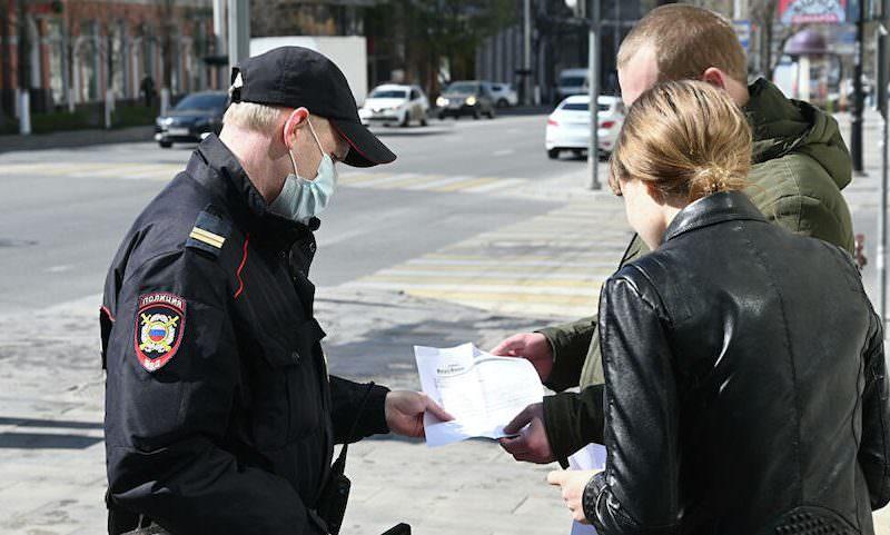 Полицейские и судьи «наштамповали» россиянам штрафы за нарушение самоизоляции на миллиард