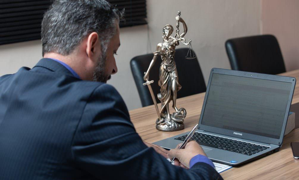 Адвокаты-пиарщики и адвокаты-защитники: дело Ефремова вскрыло разницу между юристами