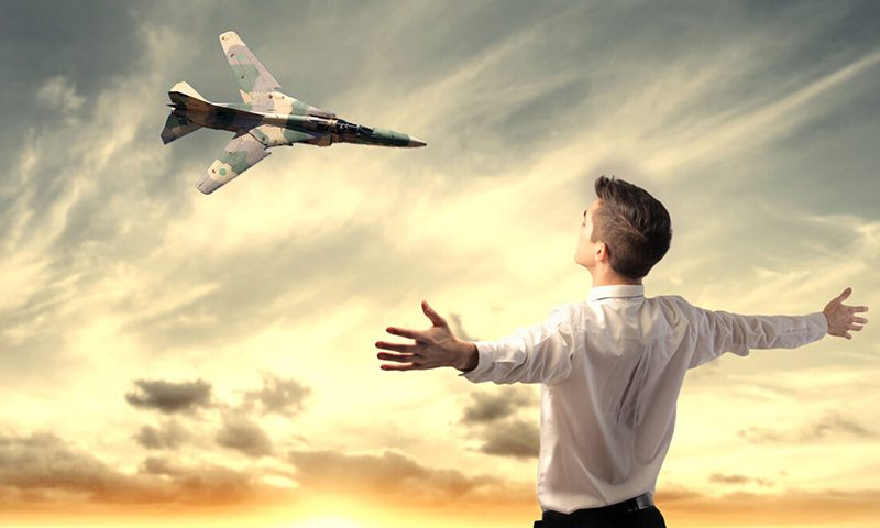 Немыслимо: истребитель улетел без пилота, чтобы убить человека за 1000 километров
