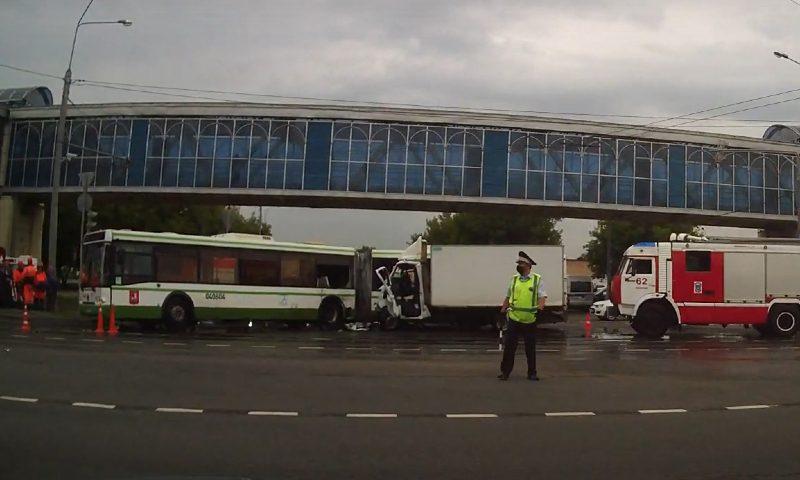 Пьяный лихач на «Газели» убил пассажирку рейсового автобуса в Москве