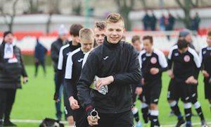 В российского футболиста попала молния во время тренировки