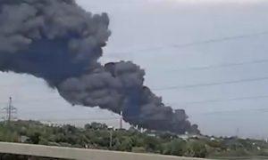 Опубликовано видео страшного пожара на химпредприятии в Самарской области