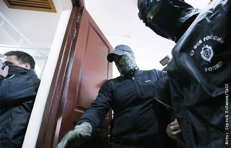 «Потому что сегодня все очень расслабились»: генерал ФСБ рассказал всё о «госизмене»