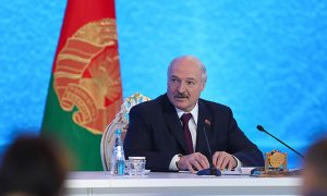 Лукашенко объявил о победе над коронавирусом в Белоруссии