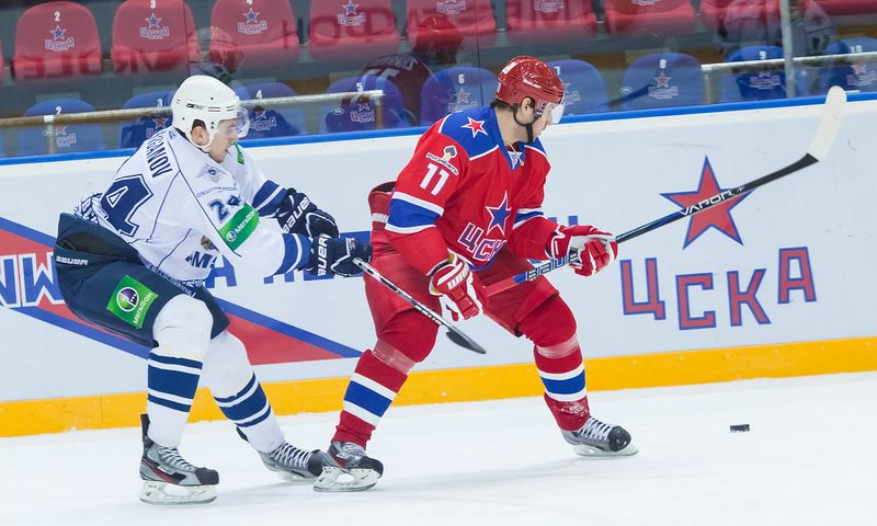 Российские хоккеисты массово заражаются коронавирусом