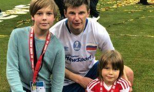 «Показуха после групповухи»: экс-теща набросилась на Аршавина из-за видео с детьми