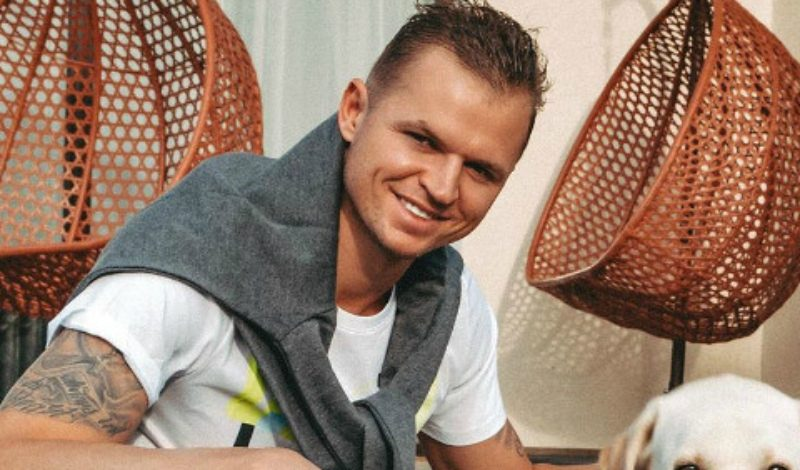 СМИ: Дмитрий Тарасов устроил дебош на борту самолета