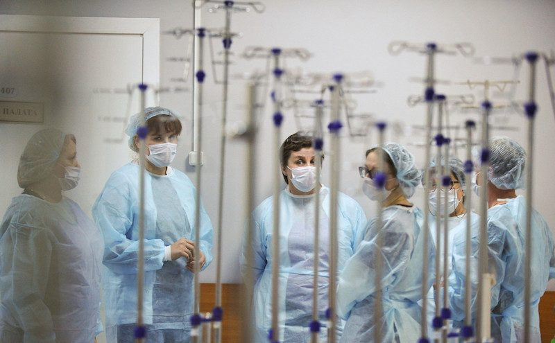 Российские медики поспорили с ВОЗ из-за коронавируса