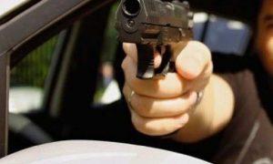Пассажир «Яндекс.Такси» устроил стрельбу по автомобилю на западе Москвы